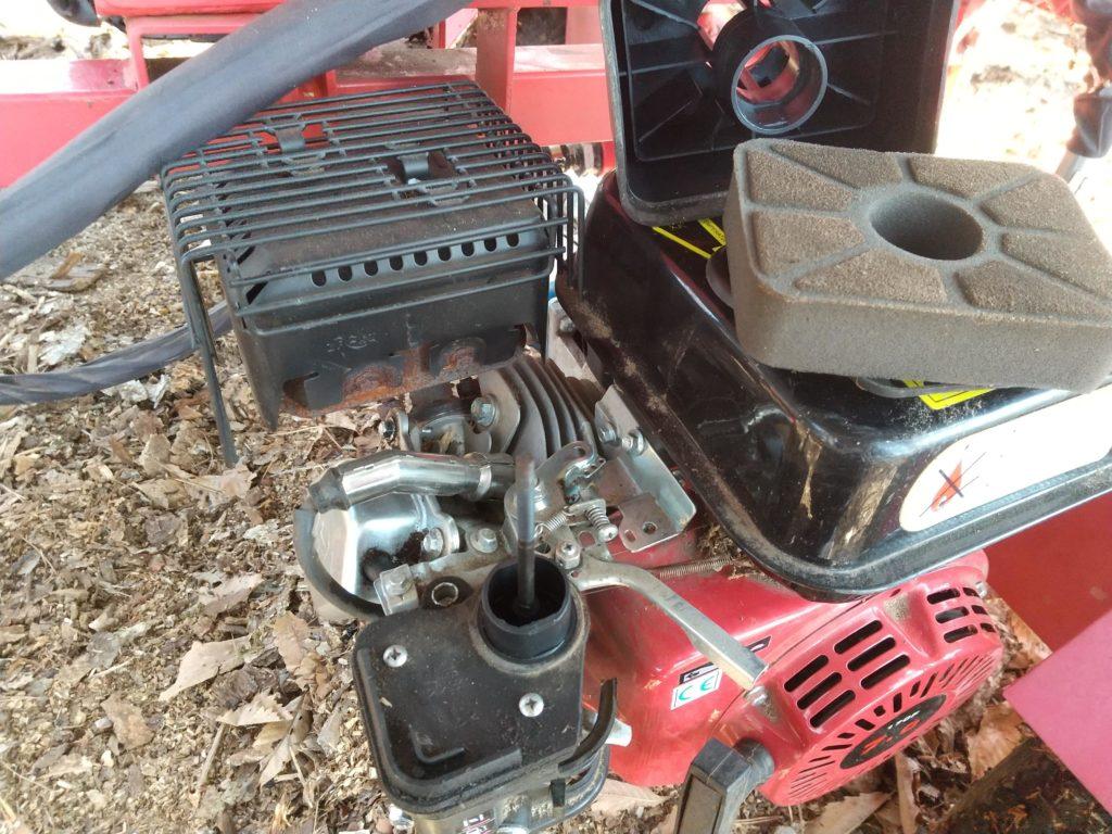 薪割り機のエアークリーナー