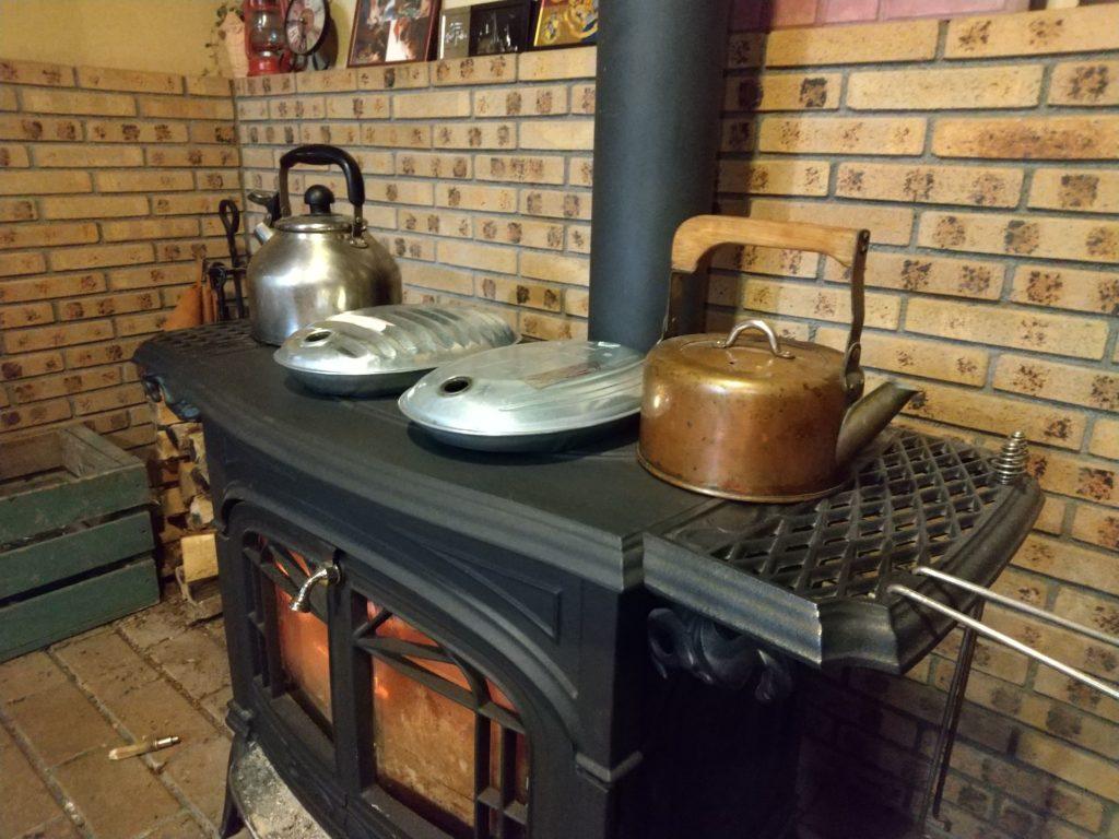 薪ストーブで湯たんぽ