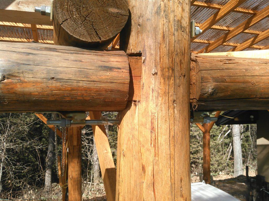 丸太の木組みに