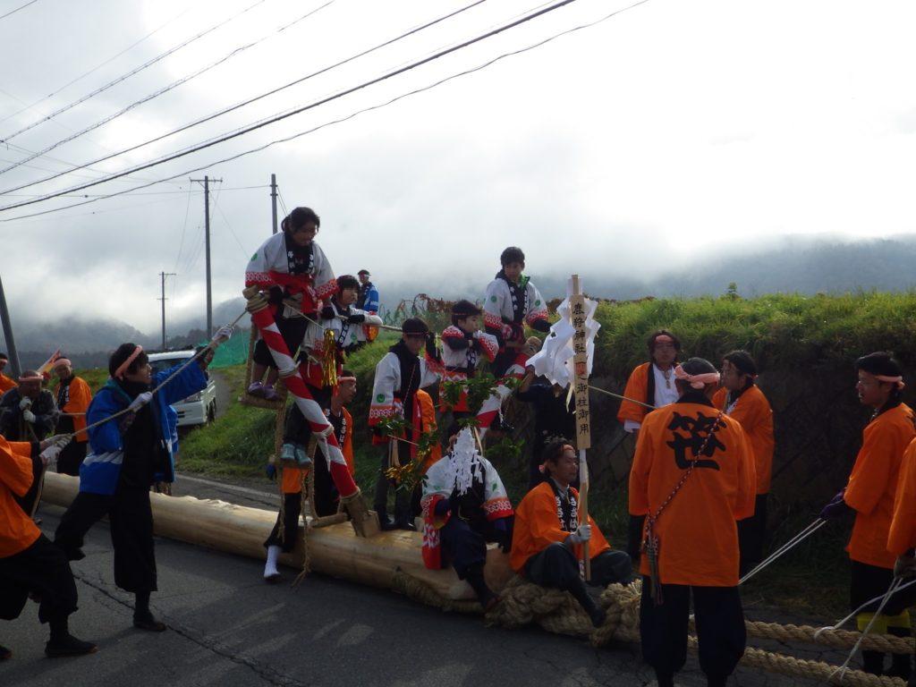 地区の御柱祭