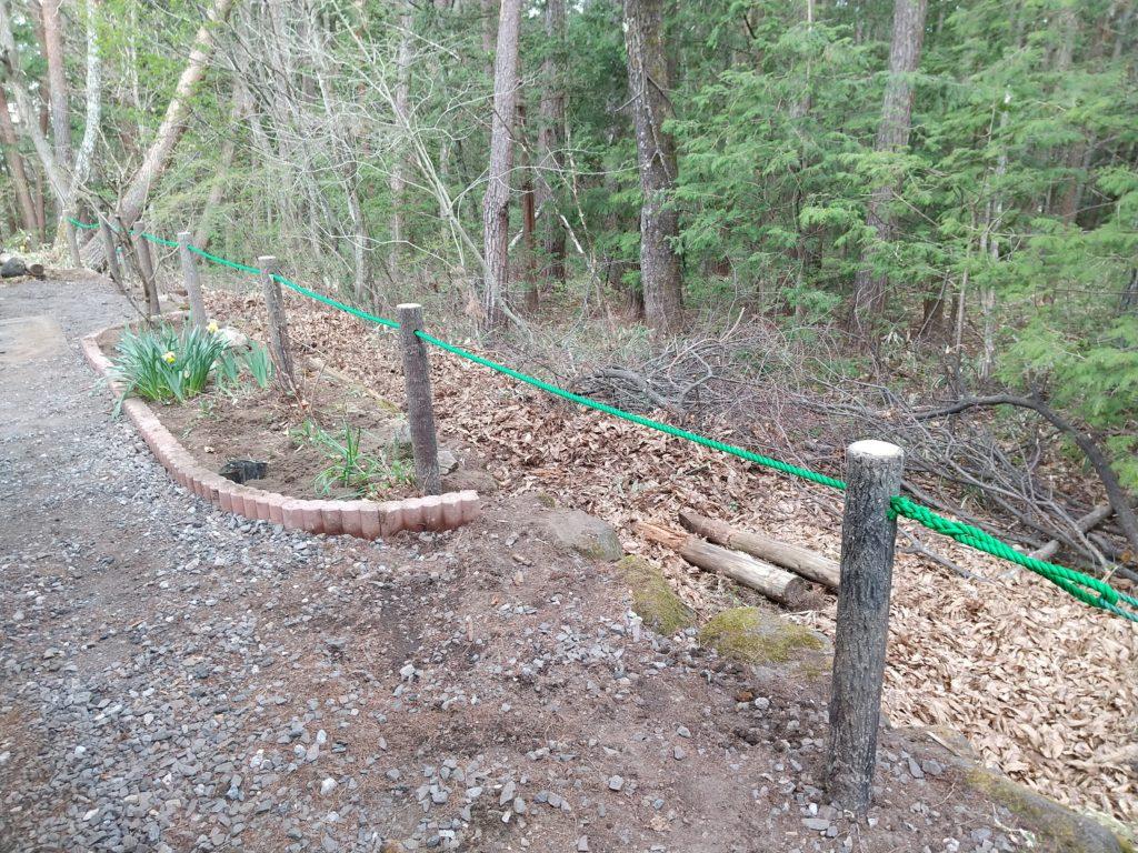 鹿よけのロープ完成