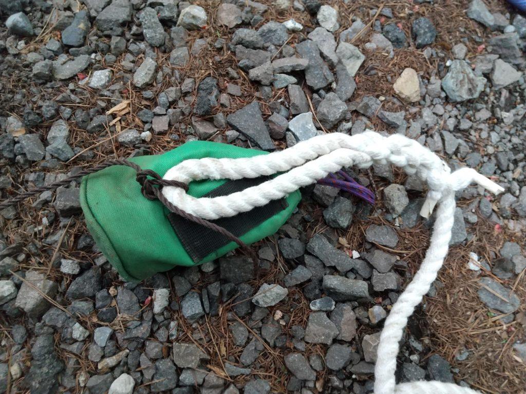 確保用のロープ