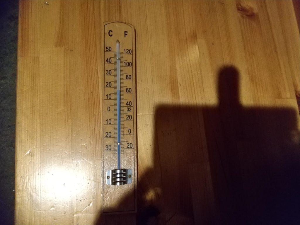 18度の温度計