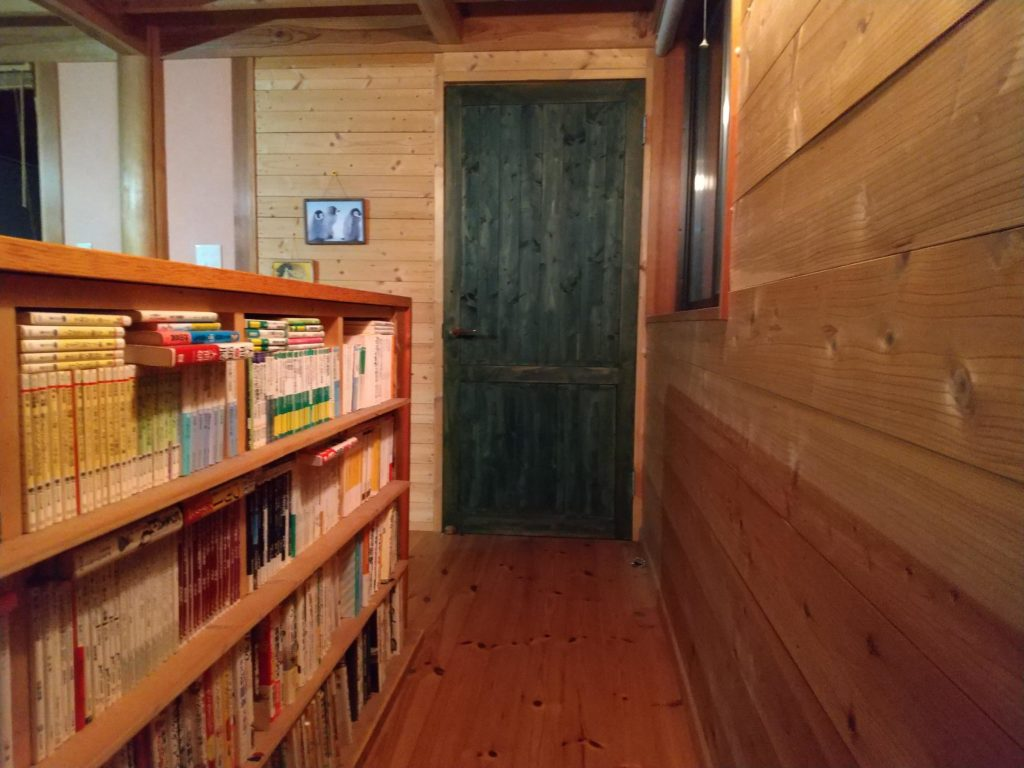 部屋のドアもDIY