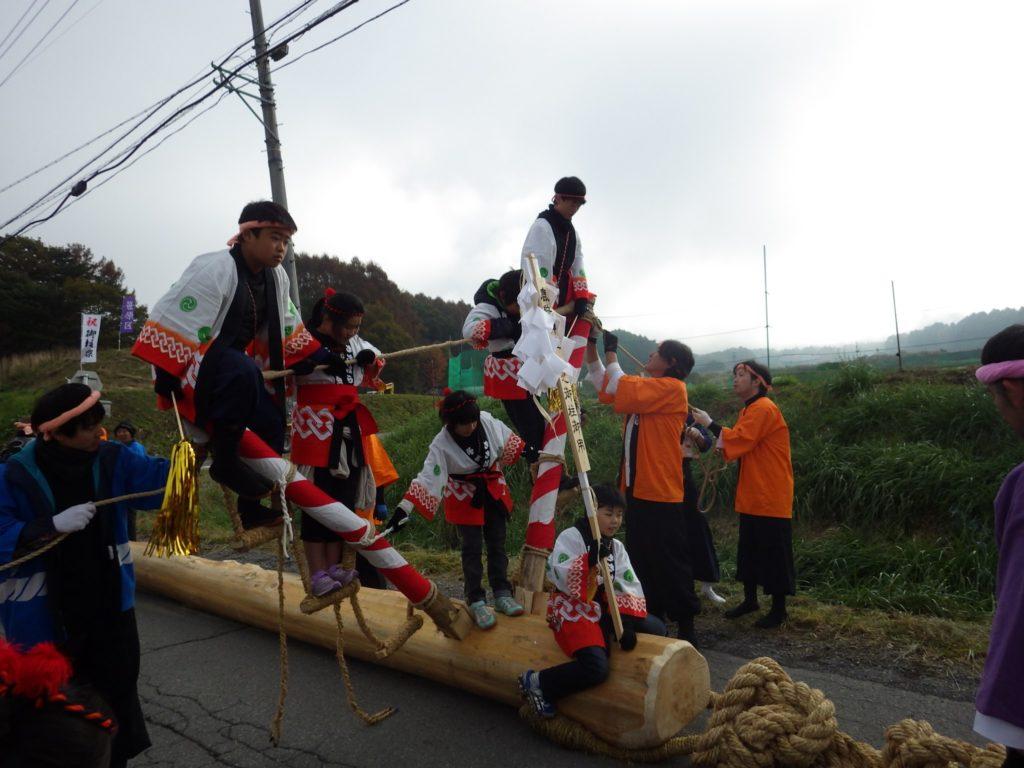 村の御柱祭