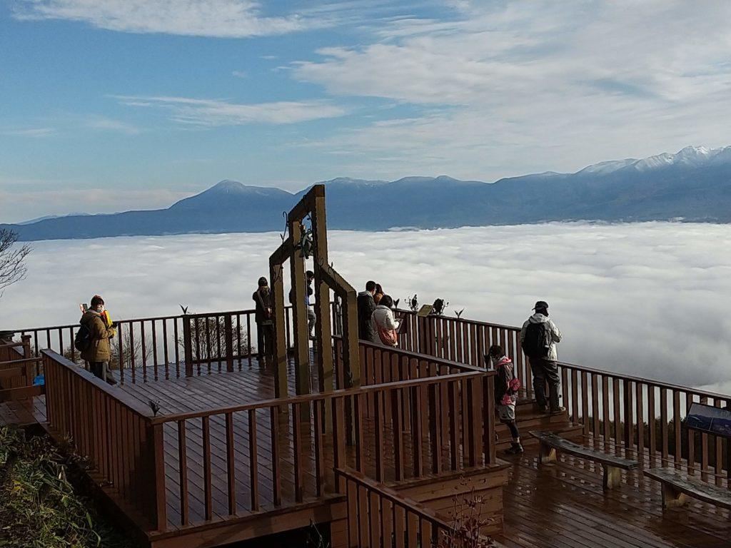 雲海テラスと蓼科山