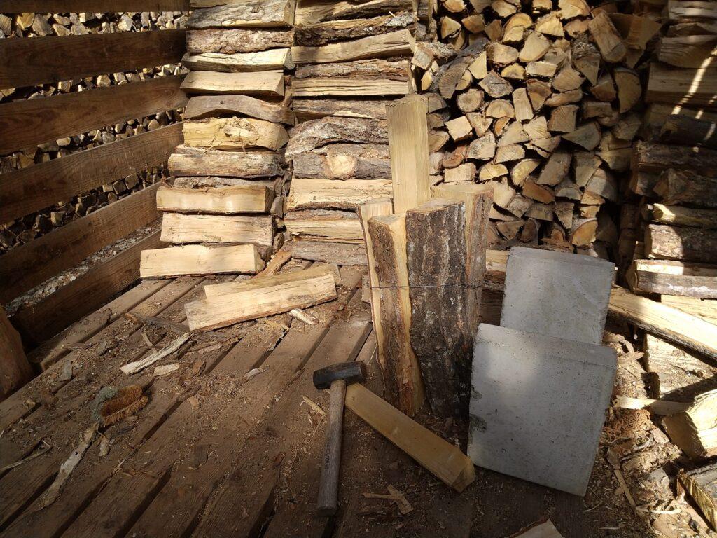 薪のタガ詰め