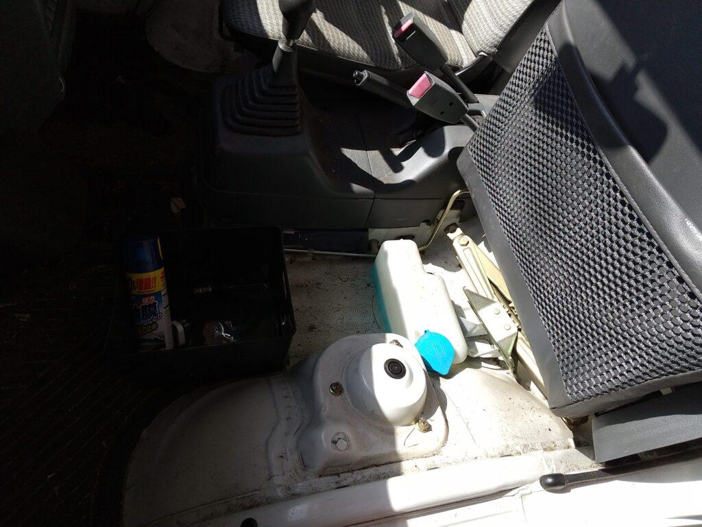 アクティ-のトランクと車載工具