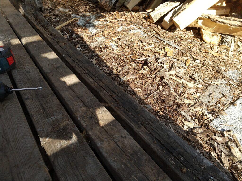 腐った床材
