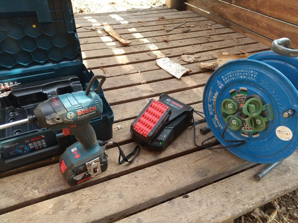 ボッシュのバッテリー充電器