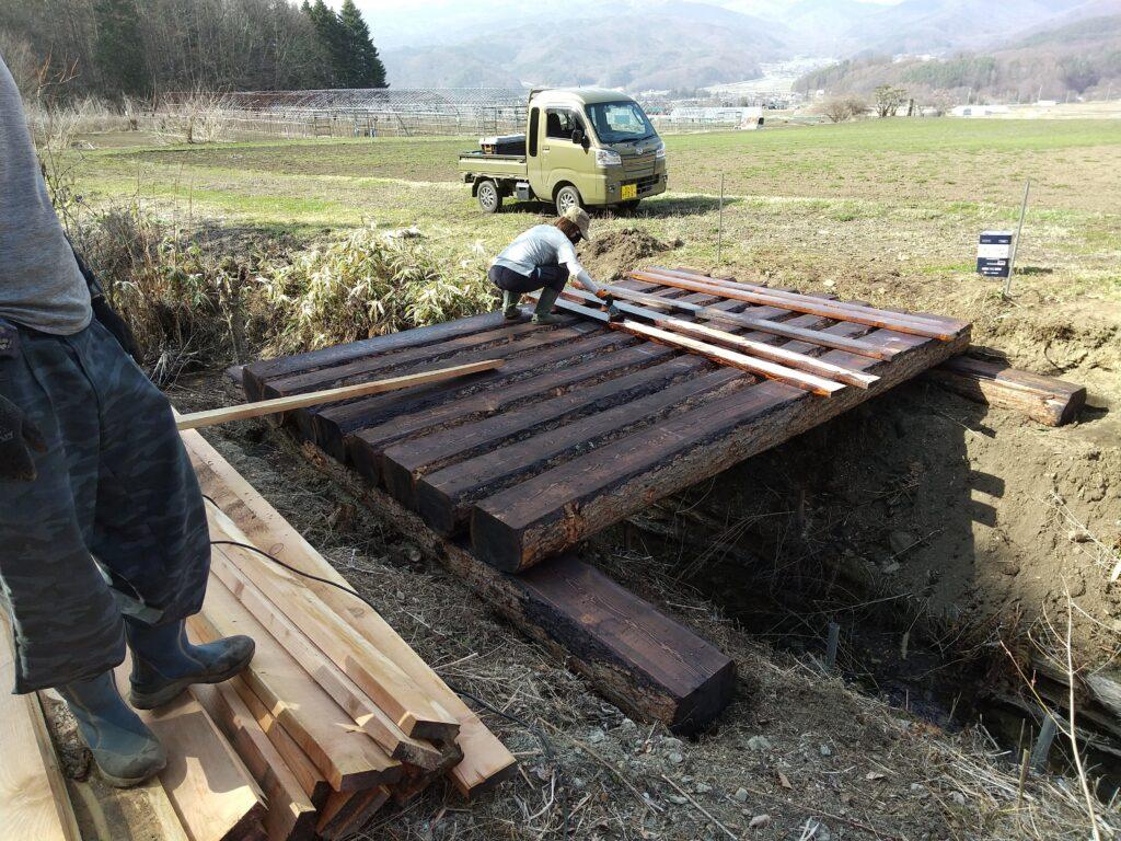 丸太橋の構造