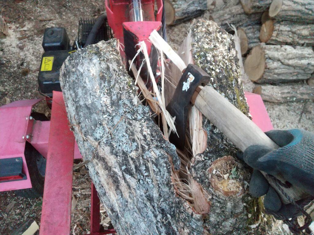 薪割り機の補助