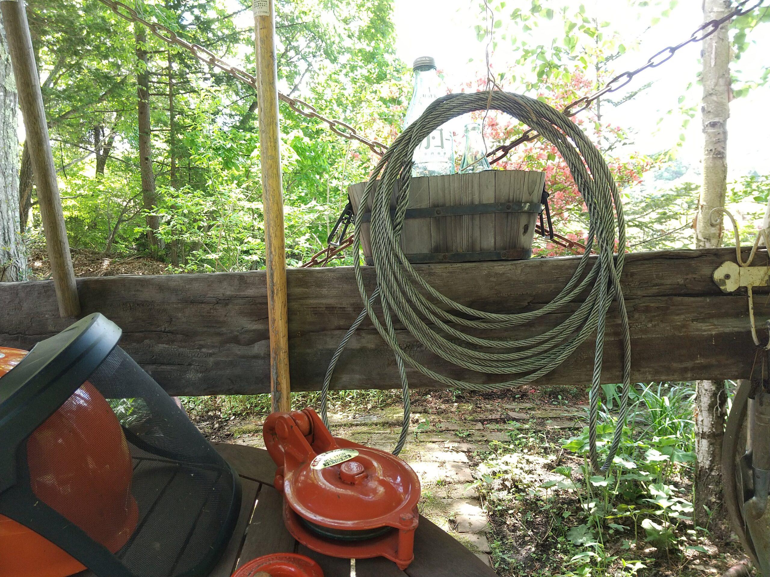 ワイヤーを編む