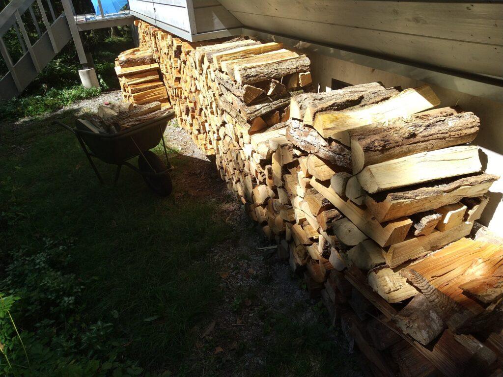 カラマツと雑木の薪